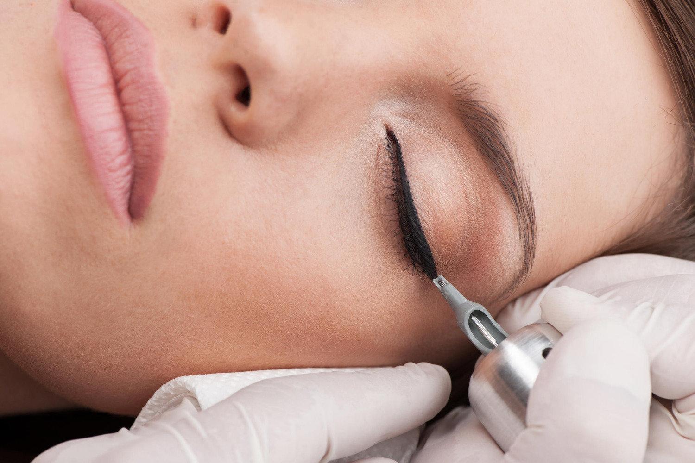 Jak wykonuje się makijaż permanentny? | Microblading Szczecin